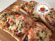 Kahvaltılık Ekmekli Pizza Tarifi